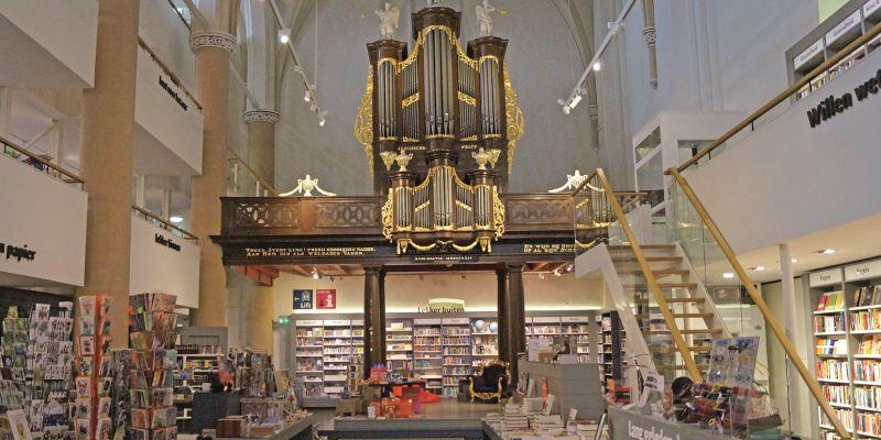 Waanders In de Broeren: Bücher, Gastronomie und Events in der Kirche