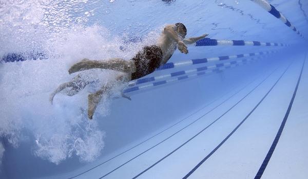 """""""Swimlanes"""" – in diesen Kanälen fließt der Geschäftsprozess. Bild: Pixabay"""