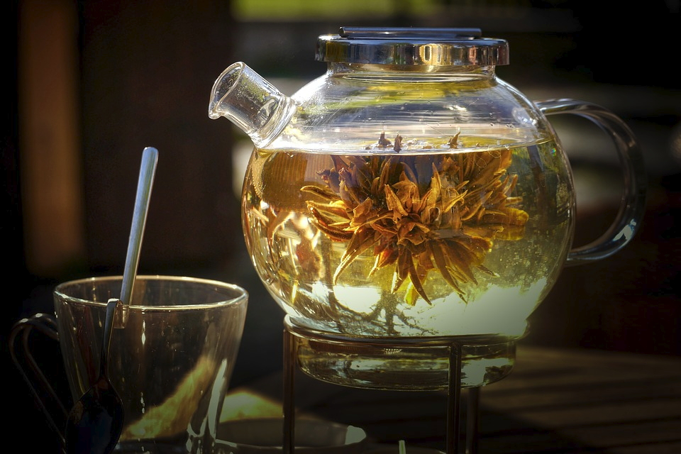 """Eine Teepause kann zum seelischen """"Boxenstopp"""" werden. Foto: Pixabay."""