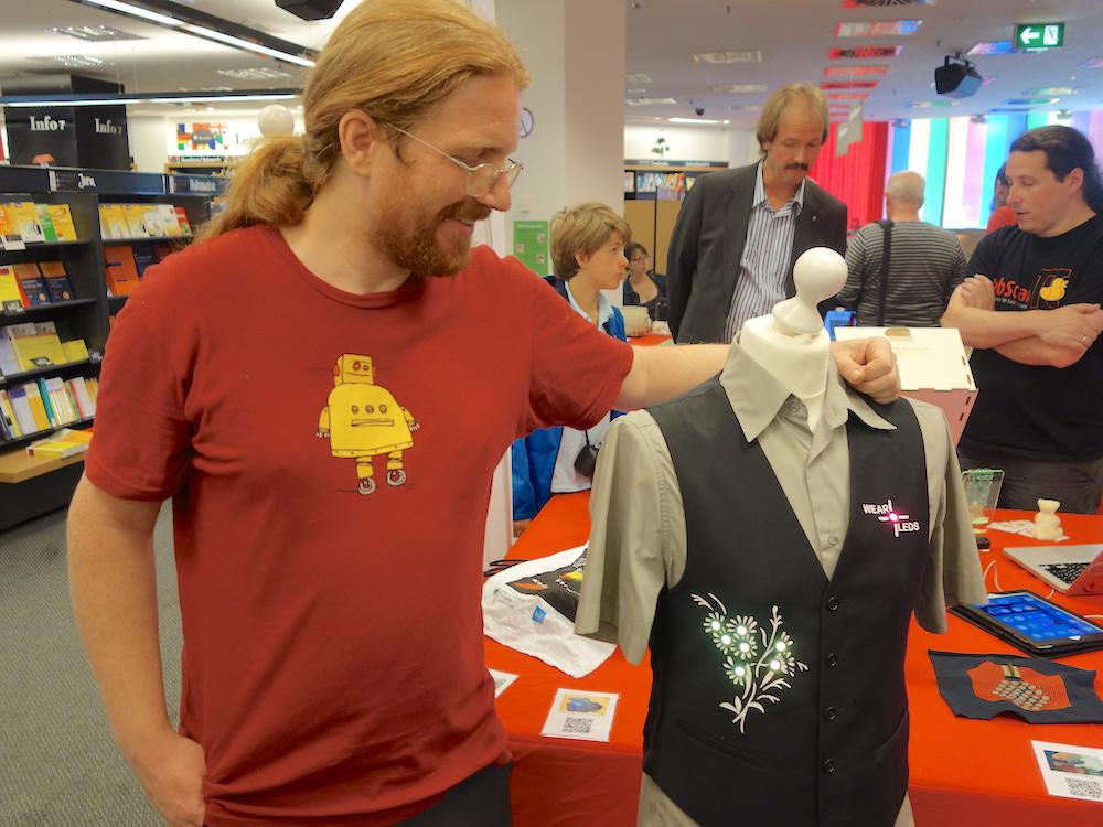 Was können Wearables heutzutage? – Jan Thar von der RWTH Aachen führte ein ins Thema.
