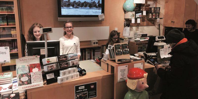 Stammkunden entlasten die Buchhändler von Heyn