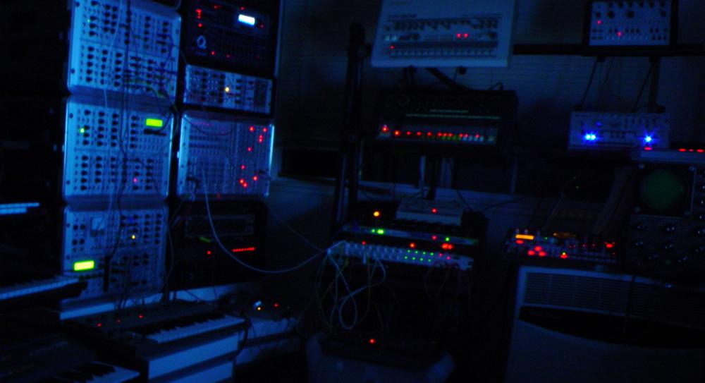 Dunkle IT. Bild: Brandon Daniel - flickr Lizenz: CC by-nc-sa 2.0