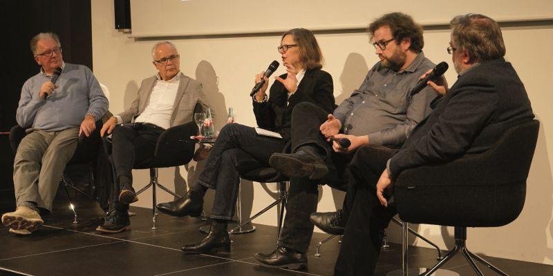 Themen im Dezember: Advent, Amazon Publishing und Sexismus in der Branche