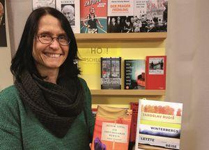Gastländer in der Buchhandlung
