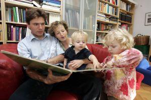 Vorlesen daheim. Foto: Stiftung Lesen.