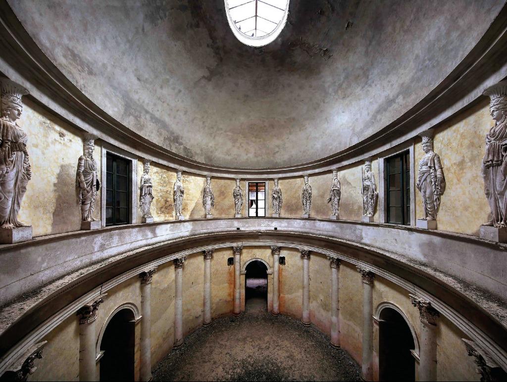 Der Palazzo Athena ist ein Beispiel eines Lost Places. (Foto: Robin Brinaert)