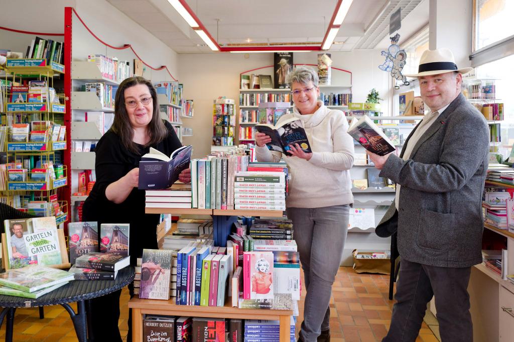 Das Team der Buchhandlung Weidinger freut sich über die Auszeichnung 2021. (Foto: Michael Maritsch)
