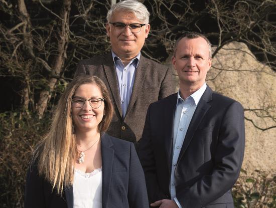 Im Trio an der Spitze: Karina Hantel, Ismet Yildirim und Kai Dombrowsky (v.l.) sind als Geschäftsleiter für den Kurs der Neumann Verlage verantwortlich. (Foto: Christian Popkes www.popkes.com )