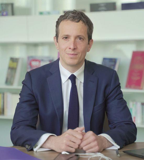 Hachette-Manager Fabrice Bakhouche